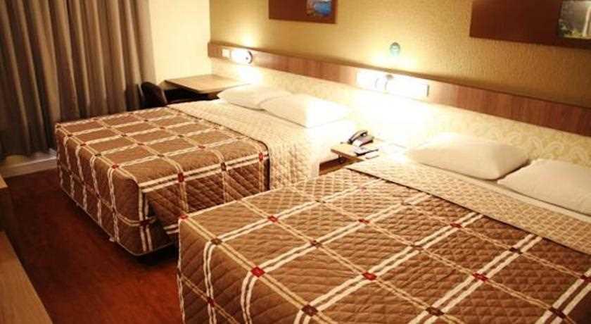 [Fotos Hotel 10 Ponta Grossa]